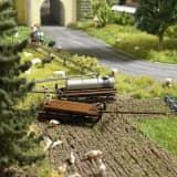 Modélisme HO : Accessoires de décor : Deux traineaux de transport