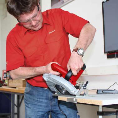 EINHELL scie circulaire 1400W TH-CS 1400/1[11/12]