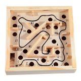 Klassisk Labyrint i trä fick modell