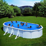 Piscine blanche ovale