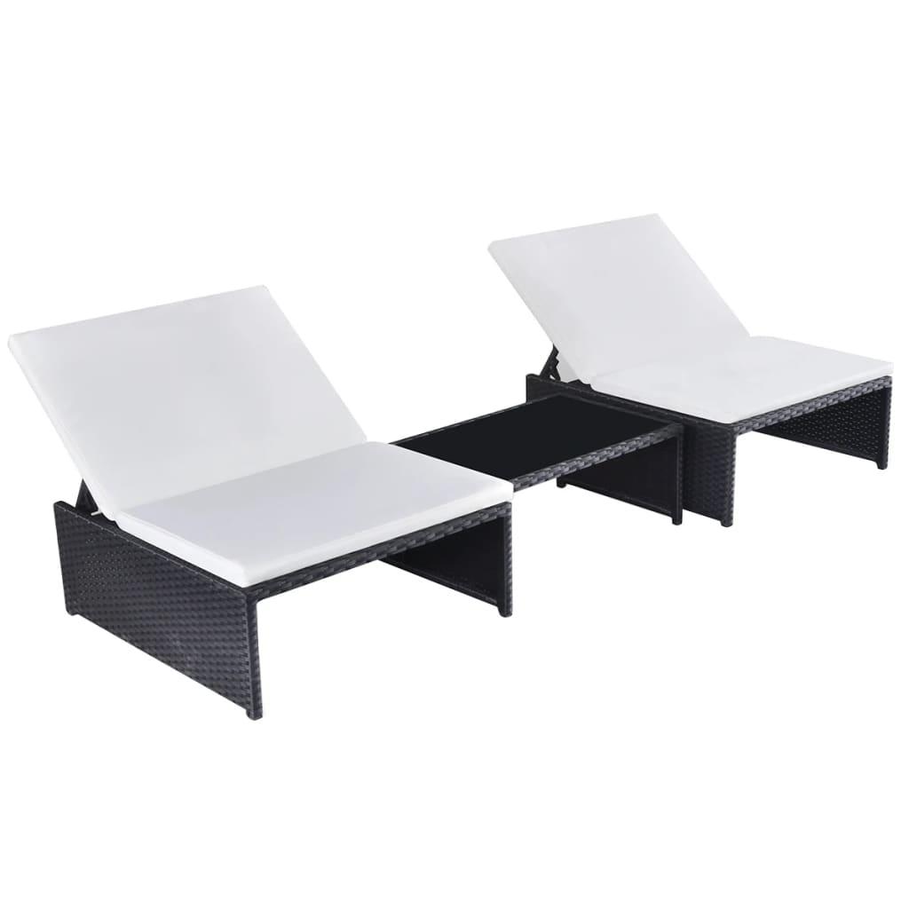 vidaXL 2 db fekete polyrattan napozóágy asztallal