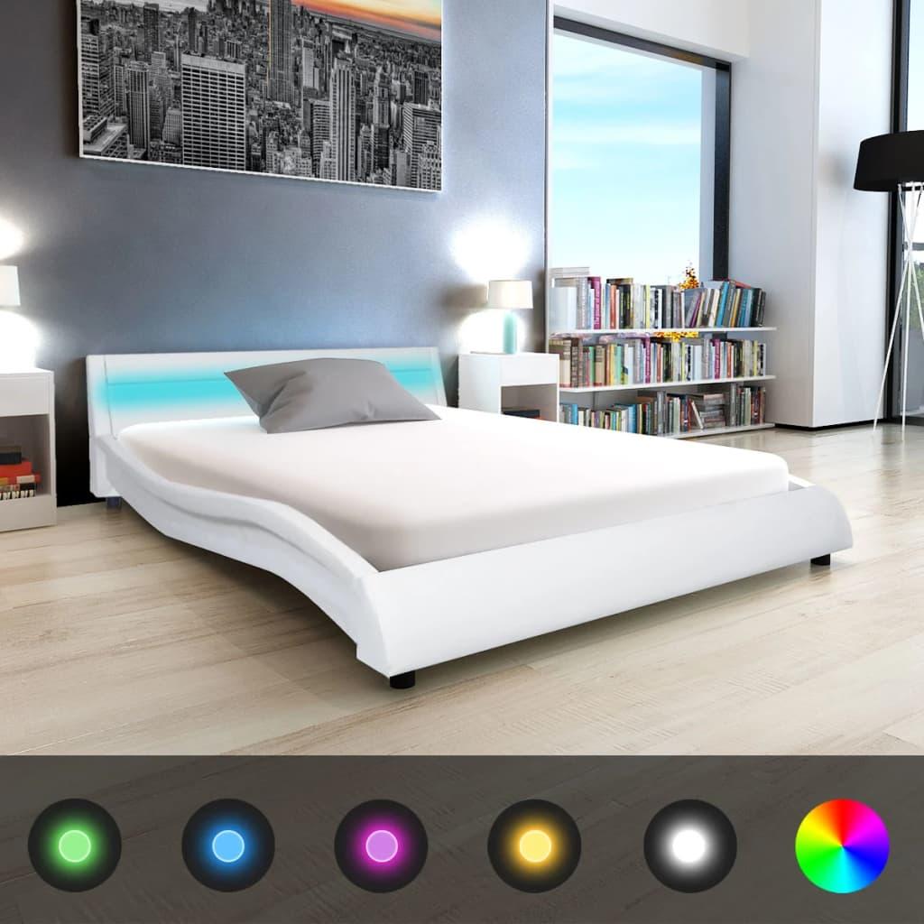 vidaXL Postel s LED a matrace paměťová pěna, umělá kůže 140x200 cm bílá