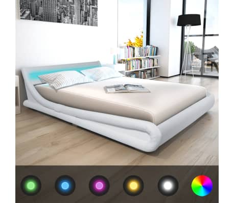 vidaxl bett mit led streifen mit matratze kunstleder 160x200 cm wei g nstig kaufen. Black Bedroom Furniture Sets. Home Design Ideas