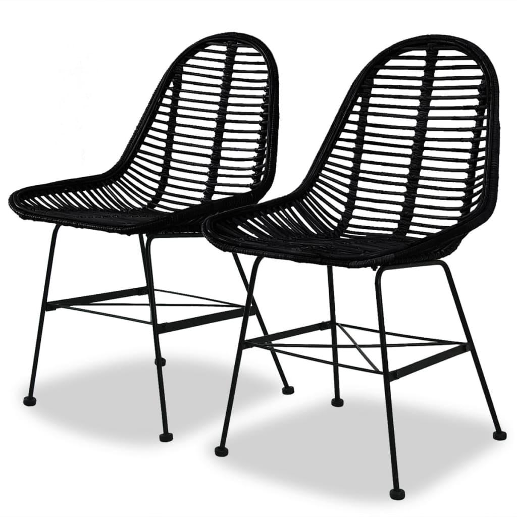 Nasze krzesła stołowe w stylu kolonialnym dodadzą szczypty rustykalnego uroku do Twojej kuchni lub jadalni. Będą one również idealnym miejscem do czytania lub delektowania się niedzielnym obiadem.