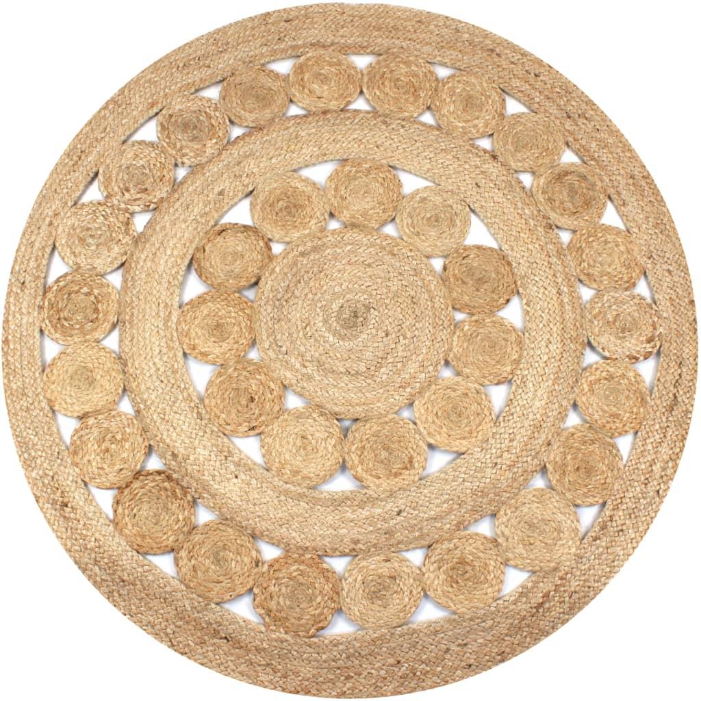 Nadaj swojemu wnętrzu naturalny wygląd dzięki naszemu dywanowi plecionemu z juty! Okrągły dywan robiony ręcznie przez wykwalifikowanych rzemieślników ma wyjątkową fakturę i będzie idealnie pasował do wystroju Twojego domu.