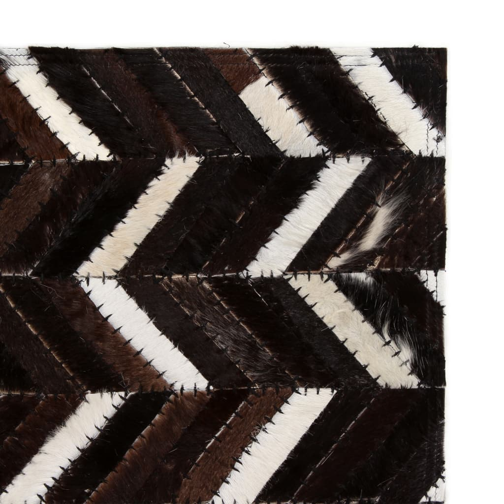 vidaXL Koberec patchwork pravá kůže 160x230cm chevron černobílý