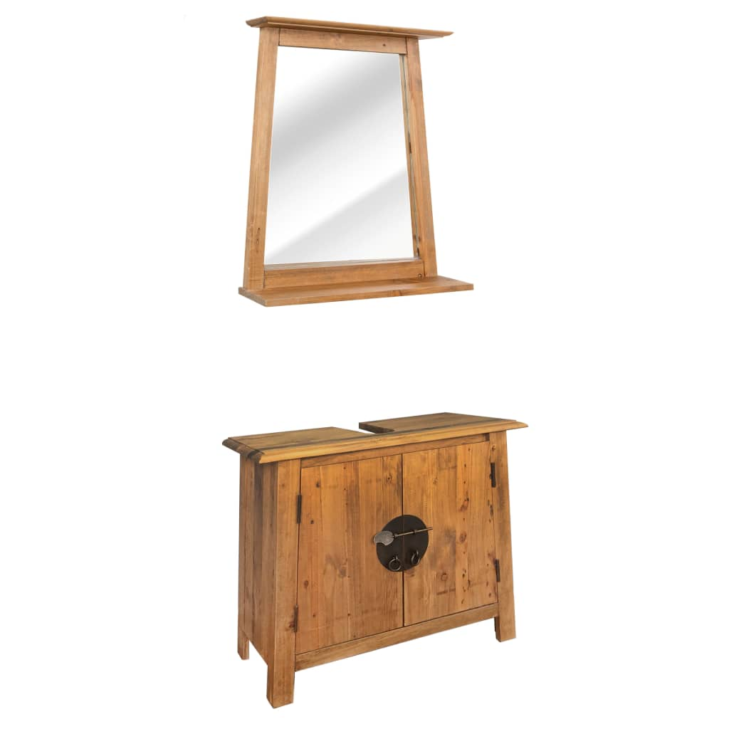 This retro-style wooden bathroom set will add a touch of rustic charm to your bathroom.