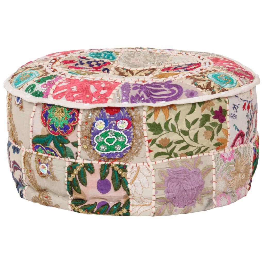 Skorzystaj z chwili relaksu na tym ręcznie wykonanym pufie w stylu vintage! Stanie się on głównym punktem w dowolnym wnętrzu za sprawą swojego patchworkowego wzoru.