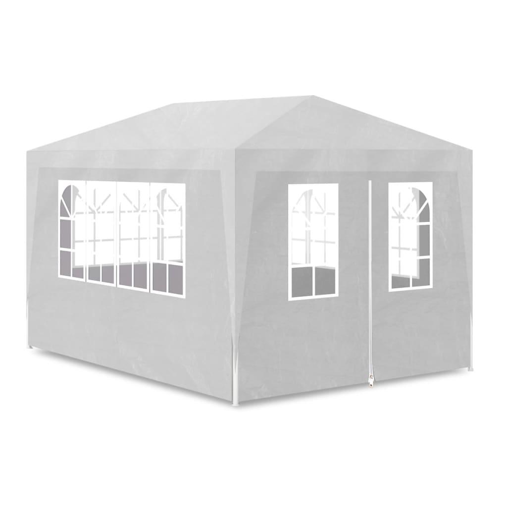 Nasz namiot imprezowy zapewnia fantastyczne miejsce na wszelkiego rodzaju przyjęcia i spotkania z rodziną oraz przyjaciółmi.