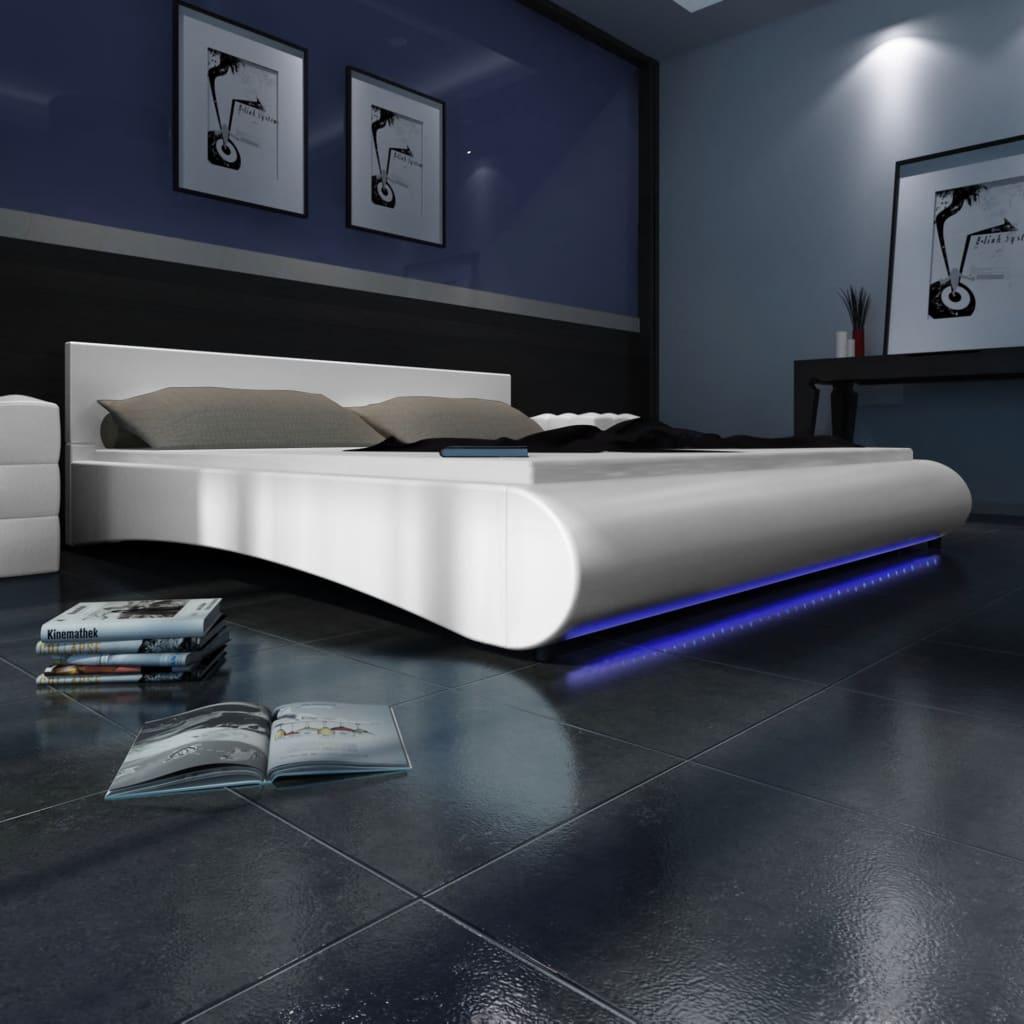 Bílá postel z umělé kůže s LED pásem 180 x 200 cm