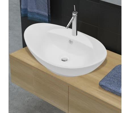 Lavatório cerâmico oval branco com buraco para torneira-picture