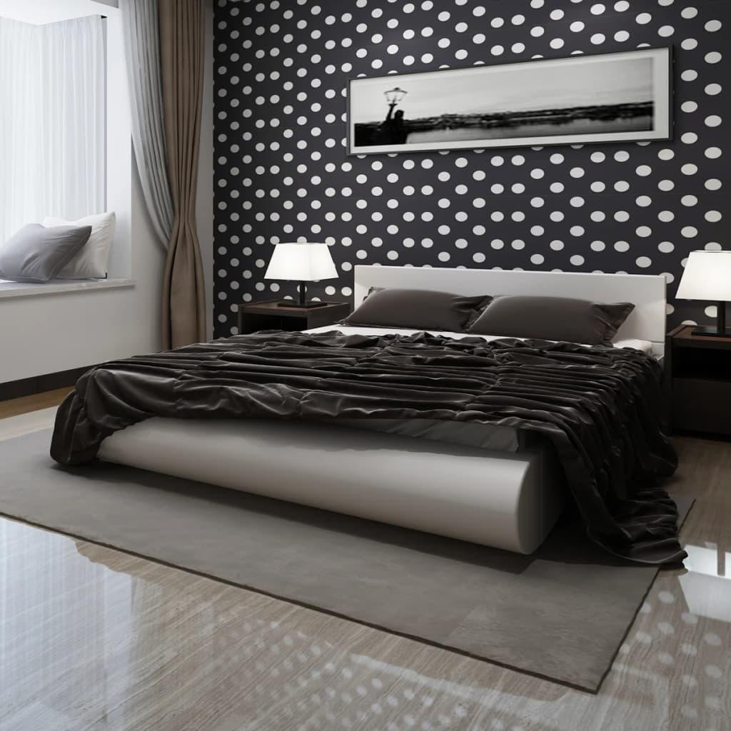 Bílá postel z imitace kůže 140 x 200 cm s matrací z paměťové pěny