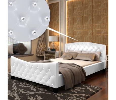 vidaxl bett mit matratze 140 200 cm kunstleder wei zum schn ppchenpreis. Black Bedroom Furniture Sets. Home Design Ideas