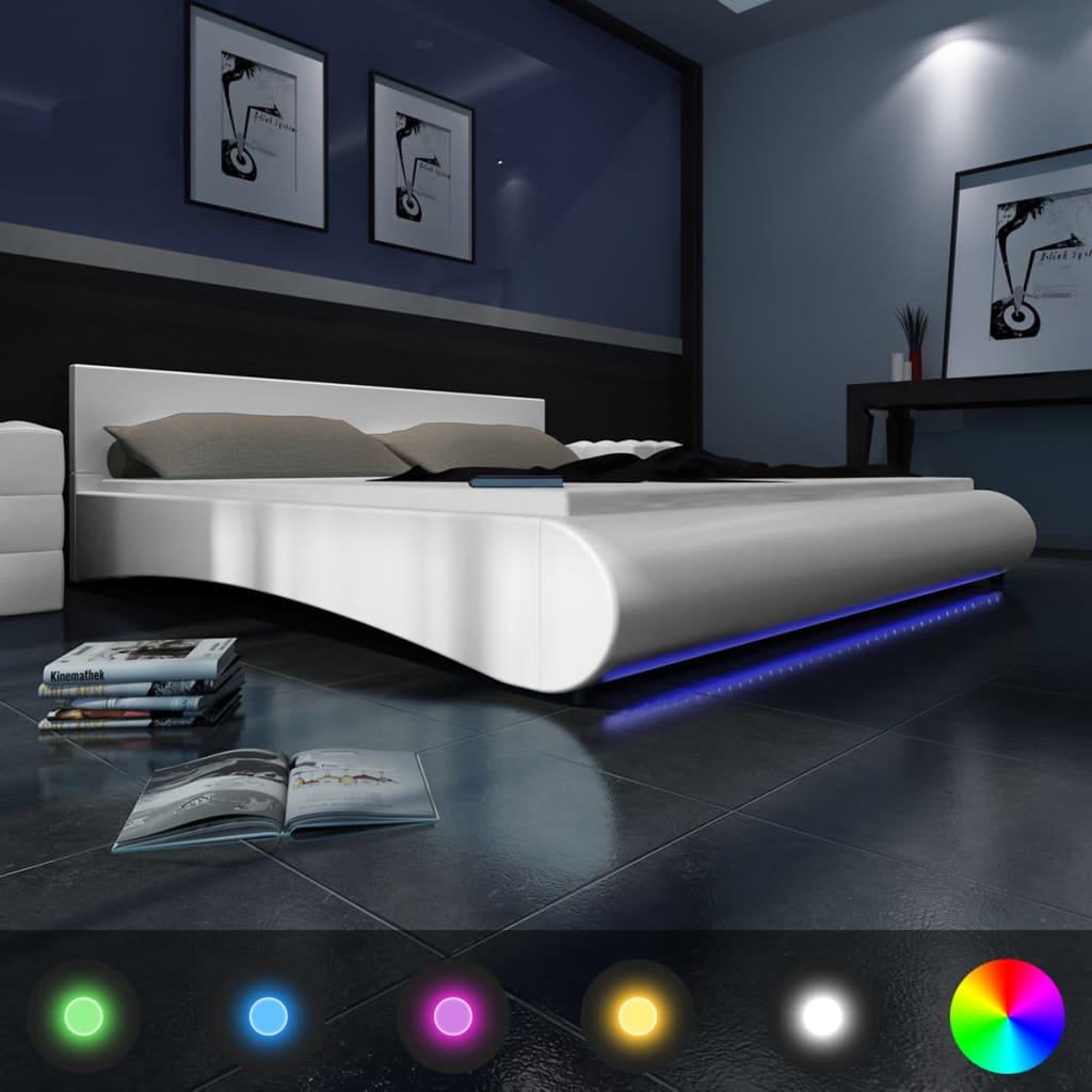 Bílá postel z umělé kůže s matrací 180 x 200 cm s LED páskem