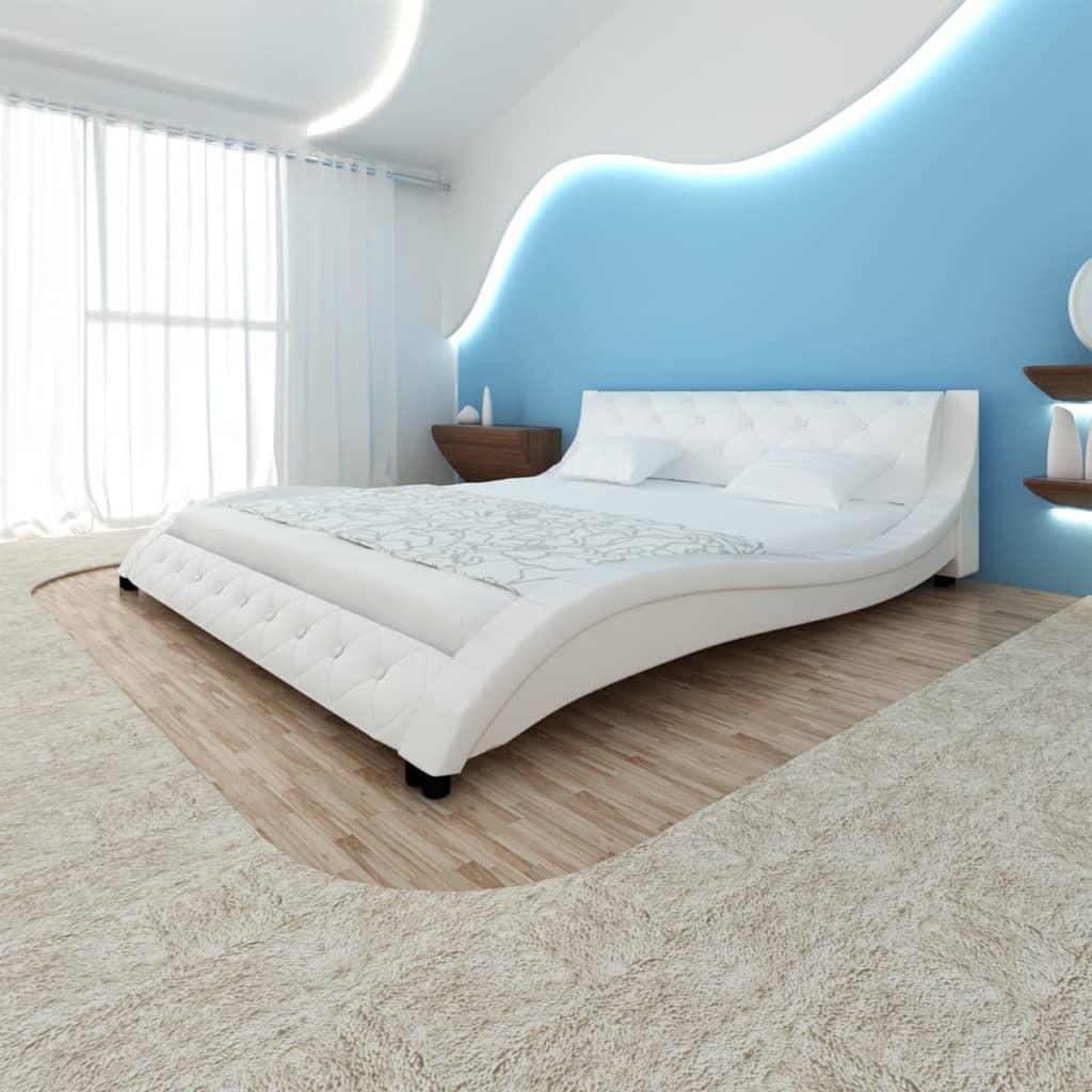 Bílá koženková postel ve tvaru vlny s matrací 200 x 180 cm