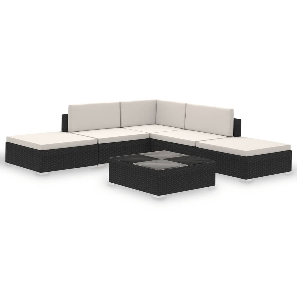 This rattan lounge set is a perfect combination of style and functionality. It will be the focal point of your garden or patio. The rattan lounge set is designed to be used outdoors year round.