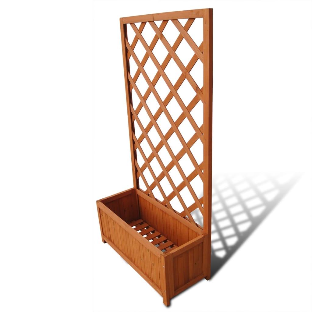 Deze houten plantenbak heeft een ingebouwd klimrek en voegt een beetje charme toe aan je buitenruimte.