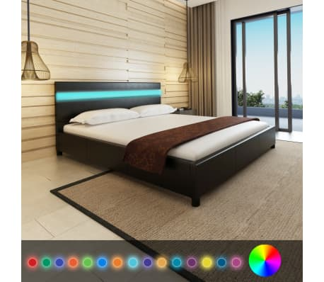 vidaXL Letto con LED 180 x 200 cm in Pelle Artificiale Nera | vidaXL.it