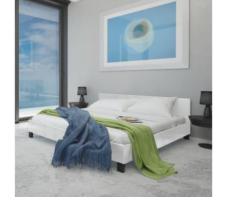vidaxl bett mit matratze 140 200 cm kunstleder wei g nstig kaufen. Black Bedroom Furniture Sets. Home Design Ideas