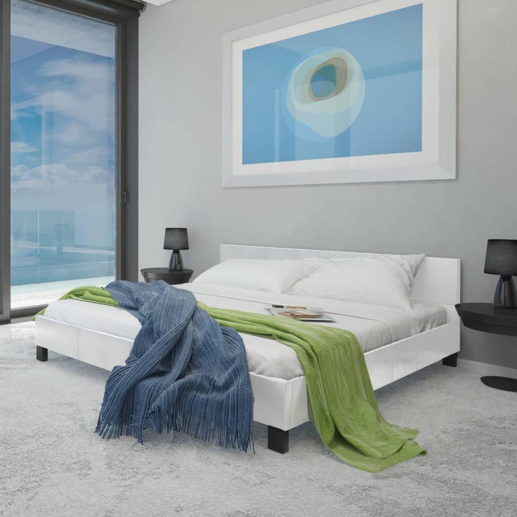 Bílá postel umělá kůže 180 cm + matrace + vrchní matrace paměťová pěna