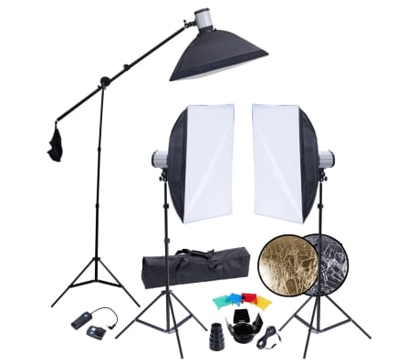 Studio Set: 3 Flash Lights, 3 Tripods, 3 Softboxes, Reflector, etc.[1/18]