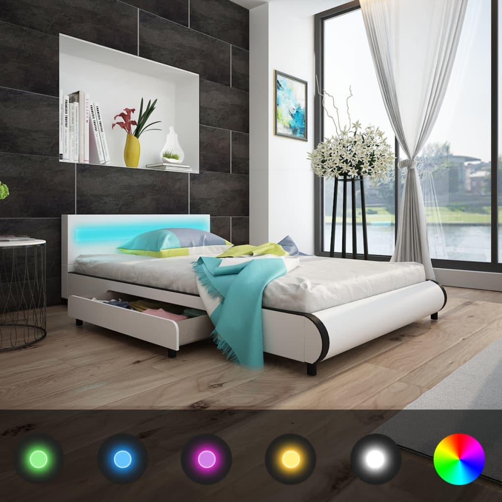 vidaXL Pat cu saltea și LED, alb, 140 x 200 cm, piele artificială poza 2021 vidaXL