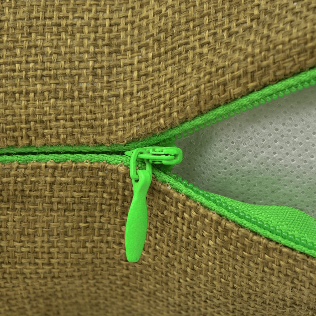 Our linen-look cushion cover set will add softness, style and comfort to your living room. Use these cushion covers to instantly change the look and feel of your interior. The melange-coloured linen-look fabric gives the cushion cover a fresh and modern look.