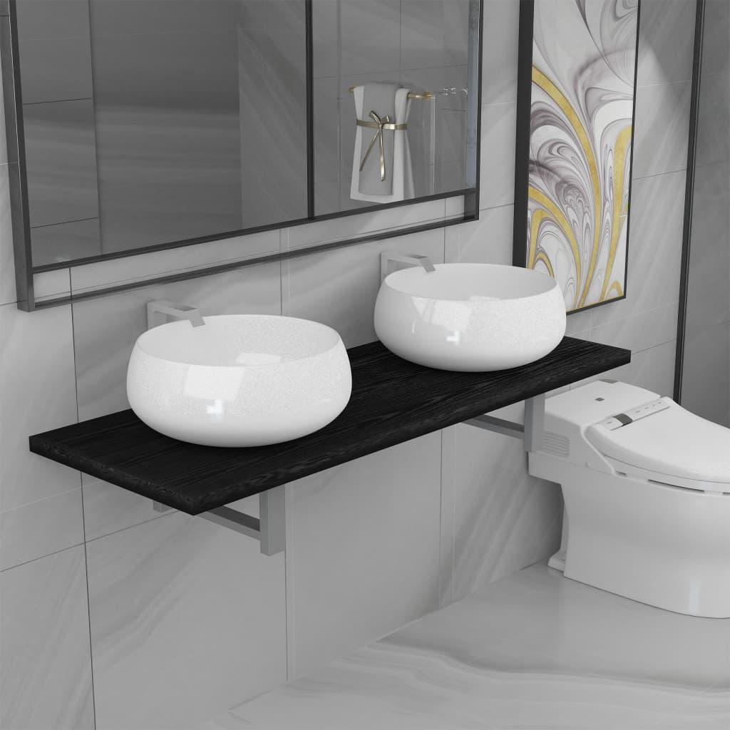 Kolmeosaline vannitoamööbl..