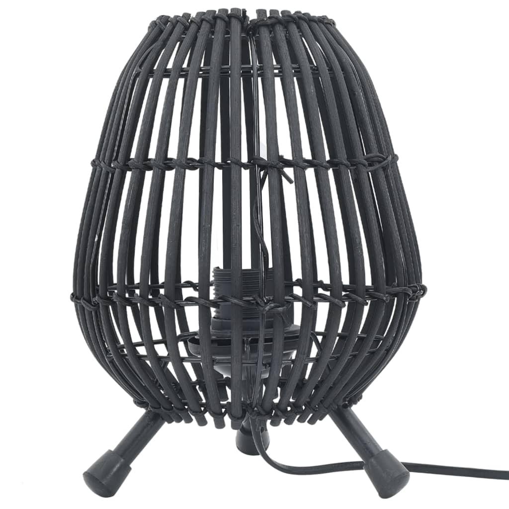 Dompel je ruimte onder in een zachte gloed met deze eivormige tafellamp! De unieke wilgen lampenkap straalt een comfortabele en natuurlijke charme uit en is bedoeld als een onderscheidende aanvulling op je kamer.