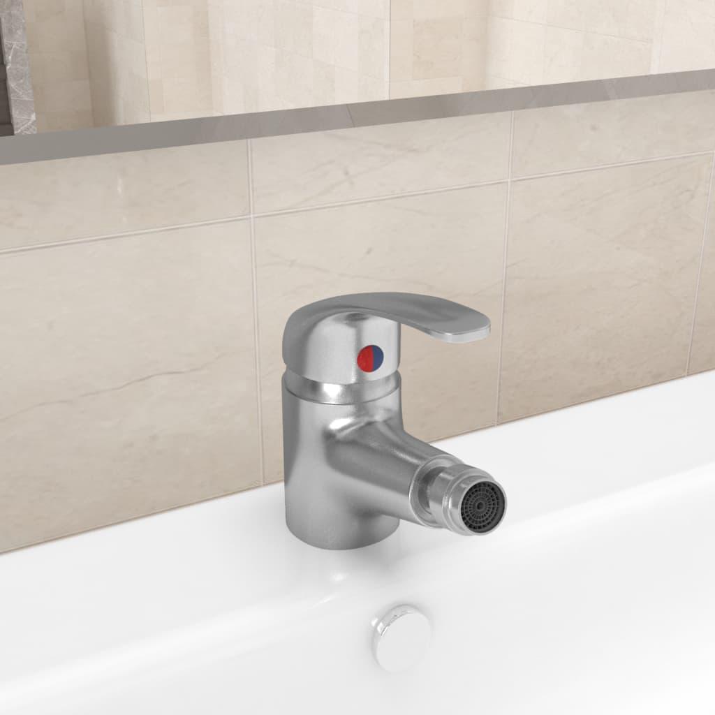 Koupelnová bidetová směšovací baterie stříbrná 13 x 12 cm