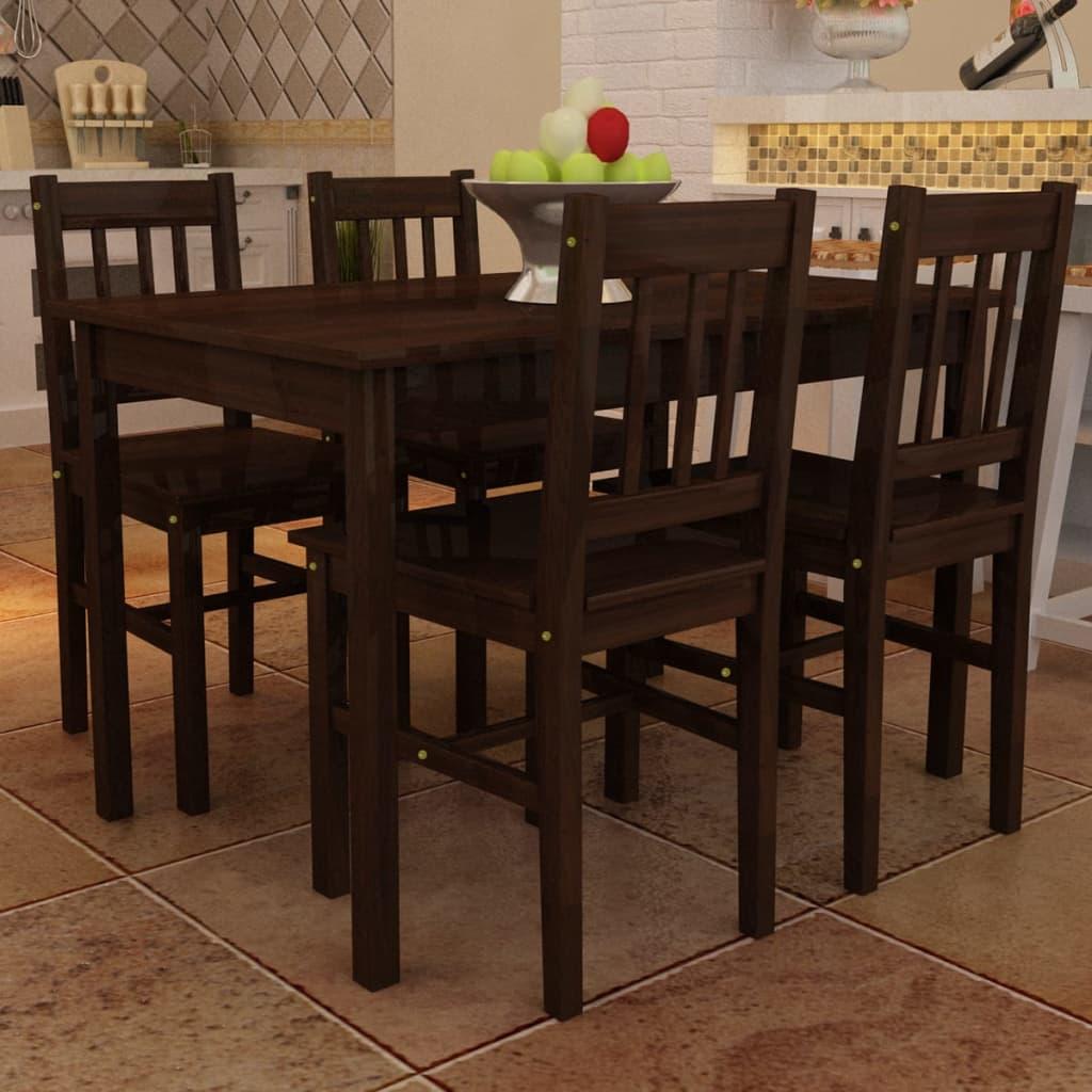Matbord i trä med 4 bruna stolar