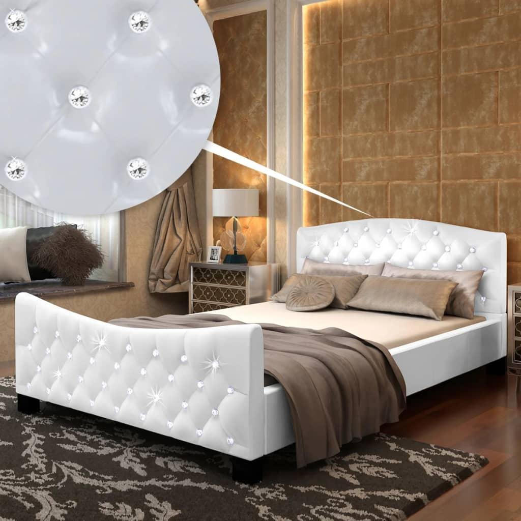 vidaXL Fényes kidolgozású kristály gombos műbőr ágy+matrac 140x200cm fehér