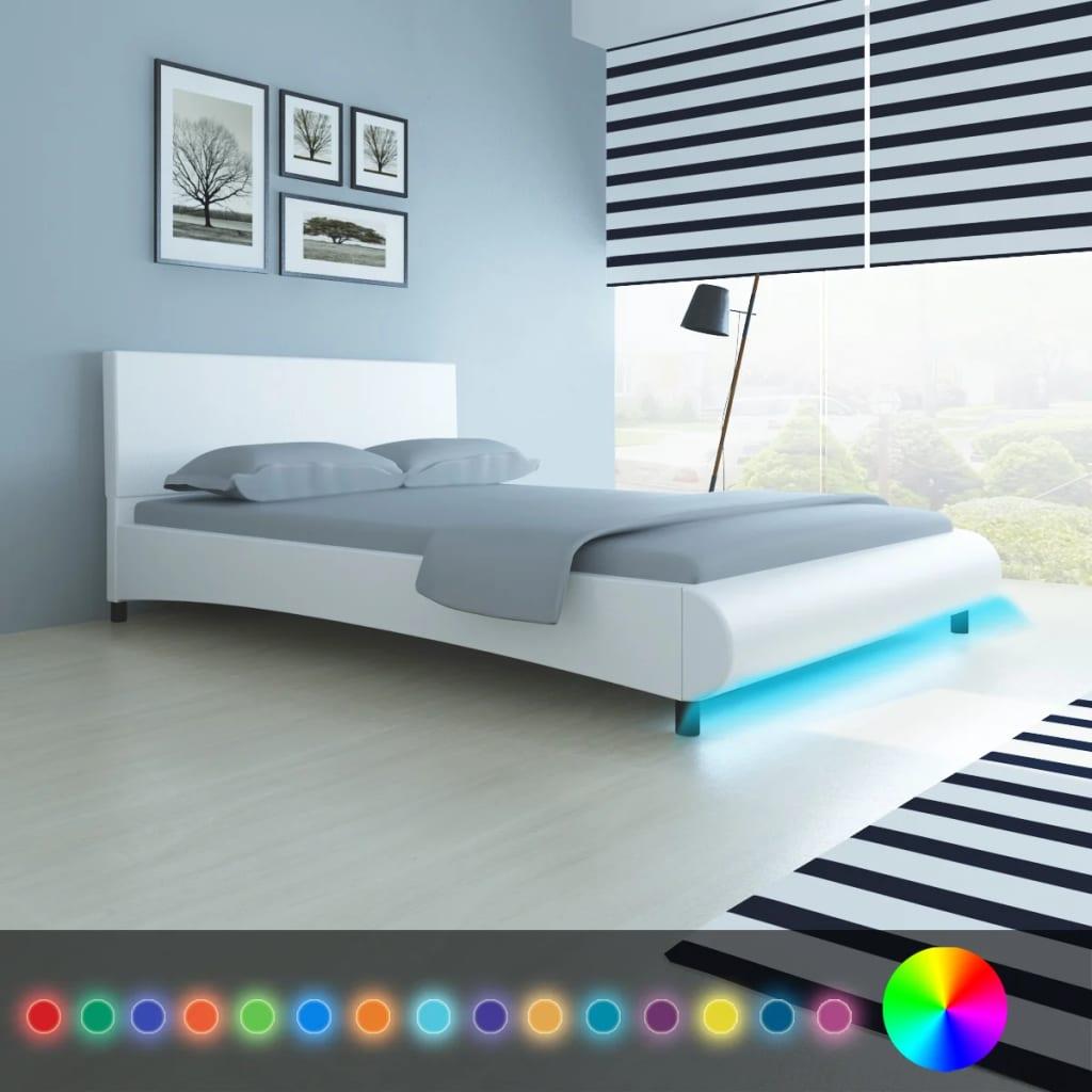 der kunstleder bett 140 x 200 cm mit led streifen wei matratze online shop. Black Bedroom Furniture Sets. Home Design Ideas