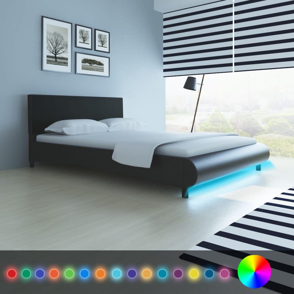 der kunstleder bett 140 x 200 cm mit led streifen schwarz matratze online shop. Black Bedroom Furniture Sets. Home Design Ideas