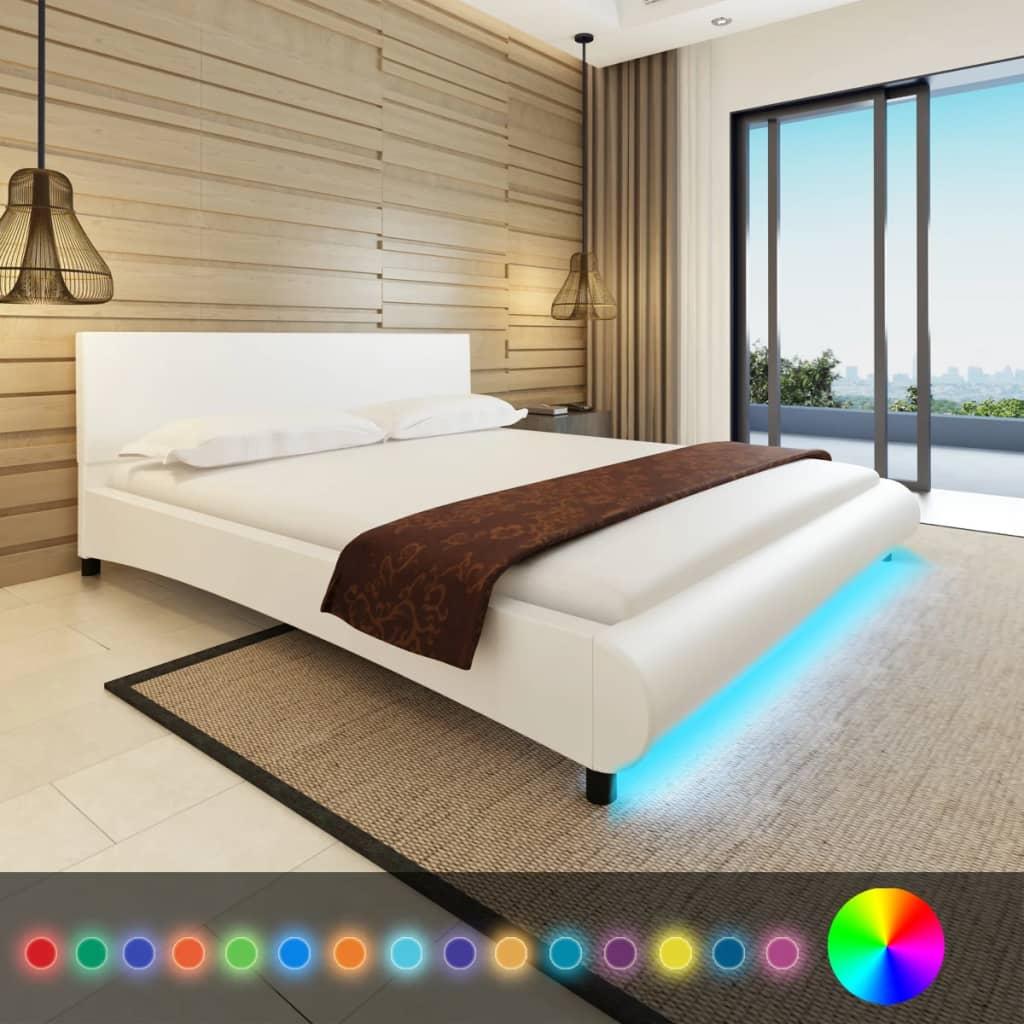 vidaXL Műbőr ágy memóriahabos matraccal és LED csíkkal 180 x 200 fehér
