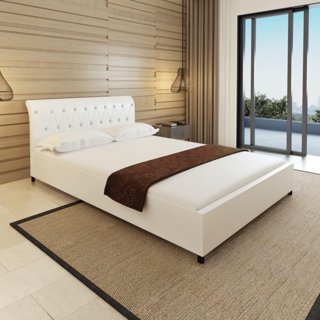 vidaXL Tűzött gombos műbőr ágy matraccal 140 x 200 cm fehér