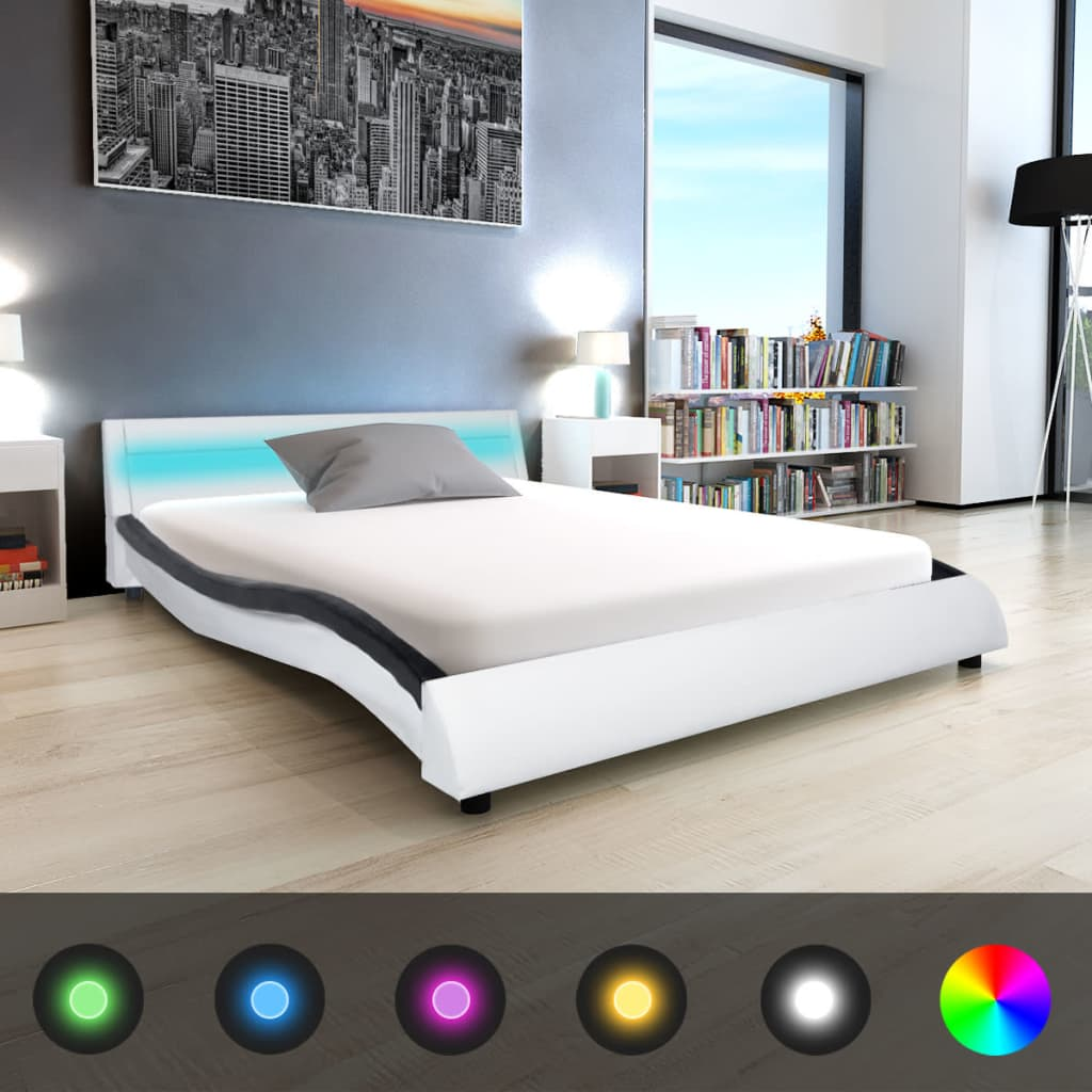 vidaXL 140x200 cm fekete és fehér LED-es műbőr ágy memóriahabos matraccal