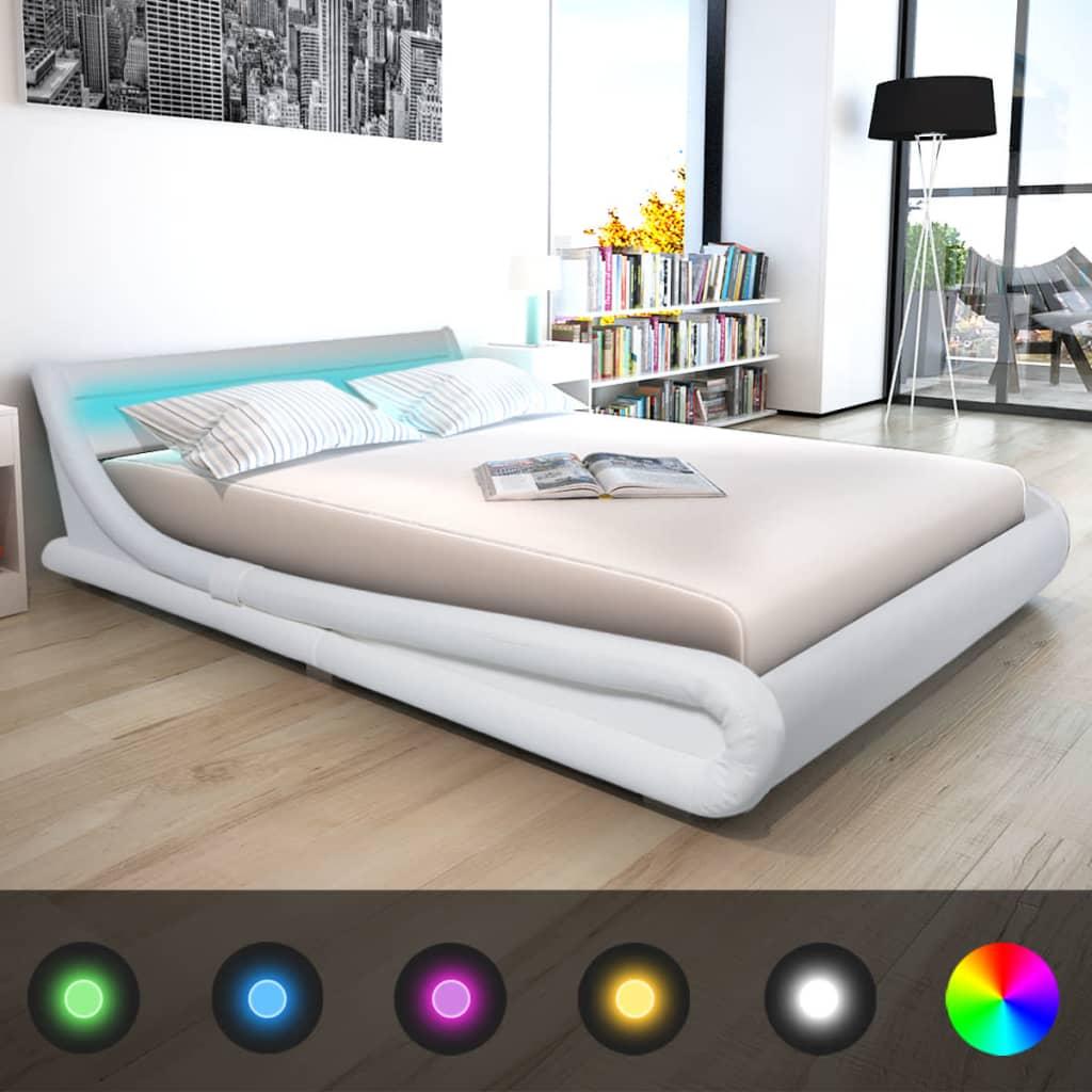 vidaXL 160x200 cm LED lámpás műbőr ágy memóriahabos matraccal fehér