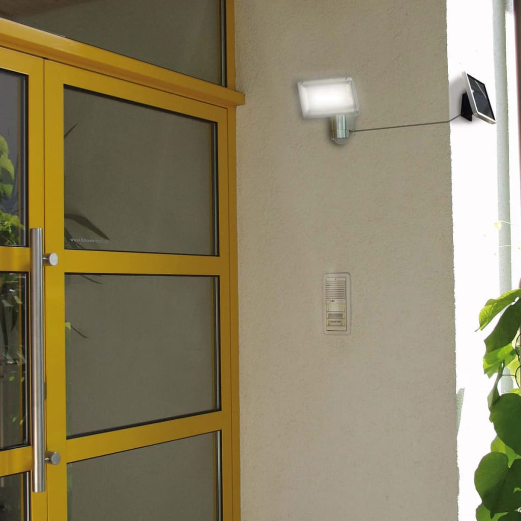 L mpara solar de seguridad brennenstuhl para entrada - Lamparas de entrada ...
