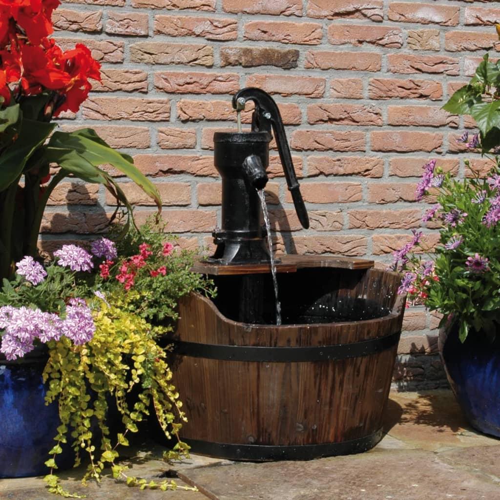 Dit waterornament van ubbink in de vorm van een rustieke ton wordt geleverd compleet met pomp en is ideaal ...