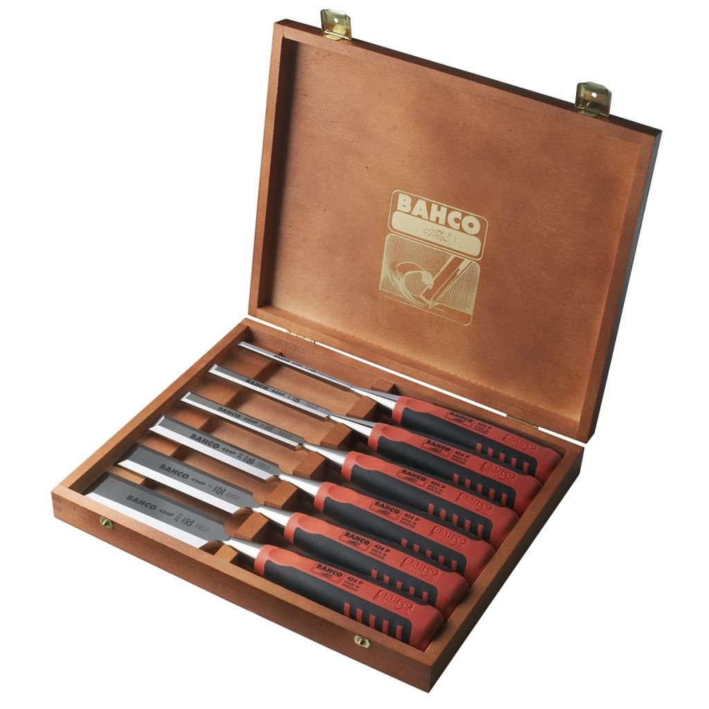 Set Of 6 Chisels In Wooden Case
