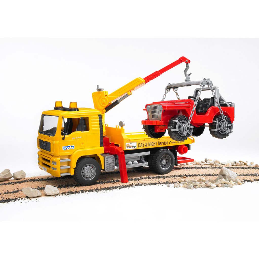 acheter bruder camion de remorquage avec v hicule tout terrain man tga 1 16 pas cher. Black Bedroom Furniture Sets. Home Design Ideas