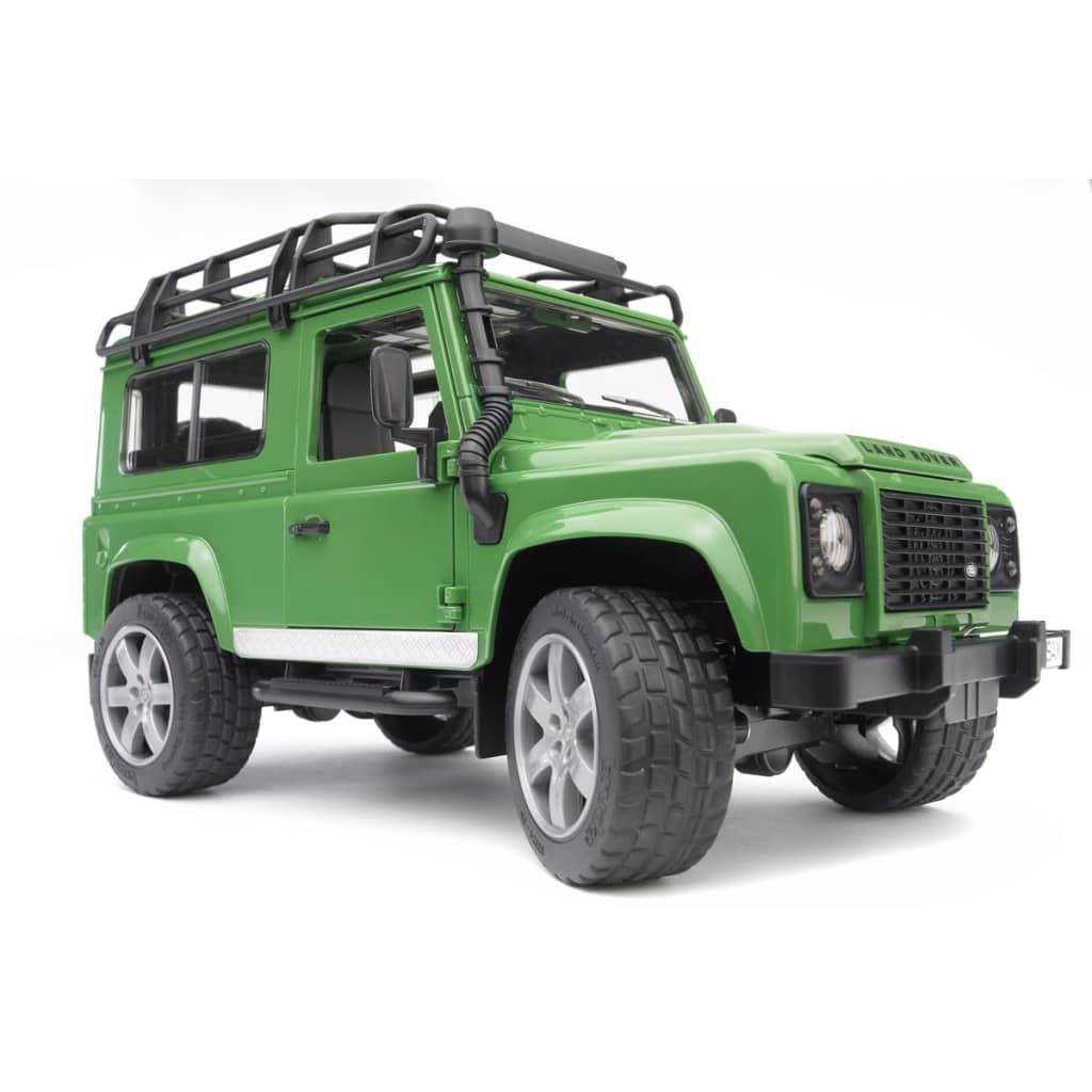 Bruder Off-Road Vehicle Land Rover Defender 1:16 02590
