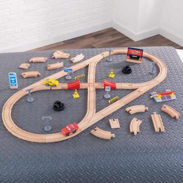 Kidkraft bouw je eigen racebaan set disney pixar cars 3 for Cars autootjes